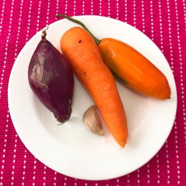 Cebollam Ajo, Zanahoria y Ají Amarillo